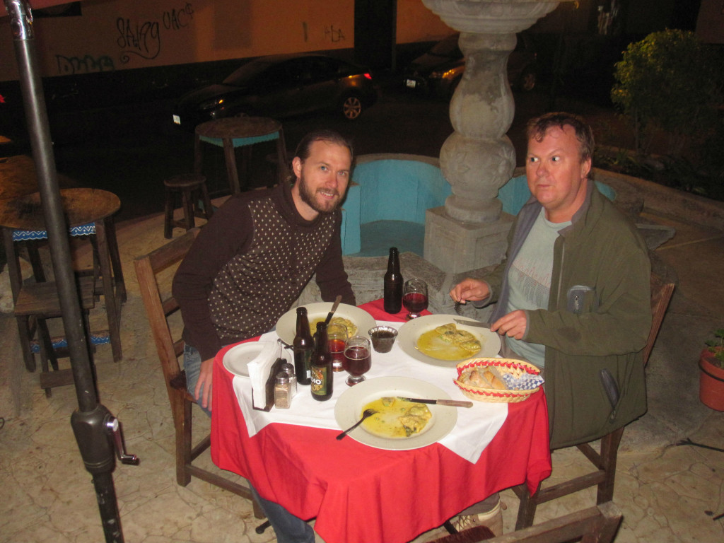 Middag med Pete i kalla San Cristobal del las Casas! Dinner with Pete in the cold San Cristobal del las Casas!