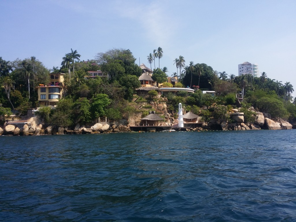 Lyxvillorna i Acapulco som har ägts av många kända mexikanska personer! Luxury villas in Acapulco, which has been owned by many famous mexican people!