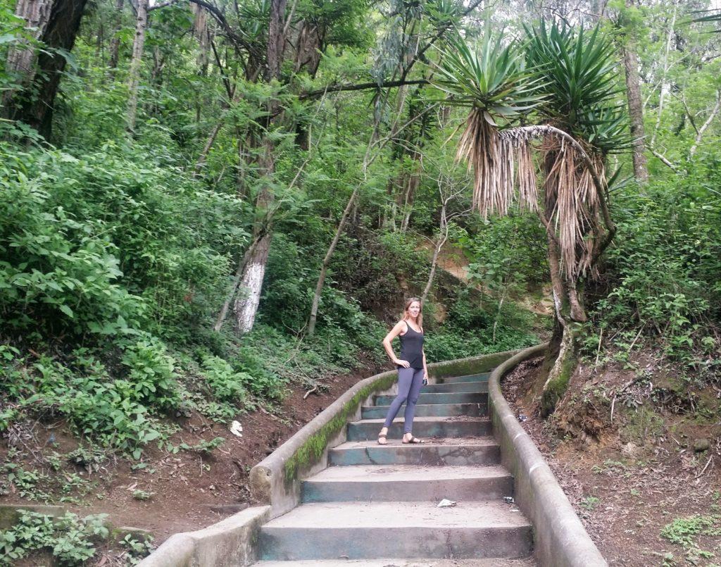 Ulrika på väg upp mot Cerro de la Cruz! Ulrika heading up to Cerro de la Cruz!