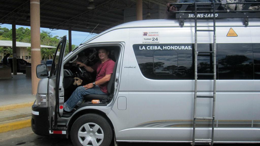 Deras förare Juan är oerhört trevlig och hjälpsam. Their driver Juan is extremely nice and helpful.