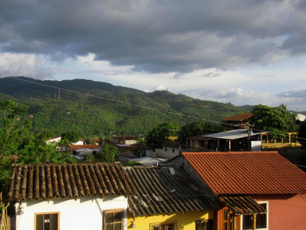 I slutet av dagen så hade vi kommit till Copan Ruinas. At the end of the day we had arrived to Copan Ruinas.